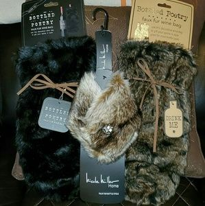 Other - Faux Fur Wine or Liquor Bottle stole! & Gift bags!